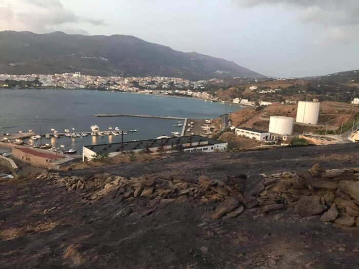 Πυρκαγιά στη Χώρα περιοχή εργοστασίου Δ.Ε.Η.
