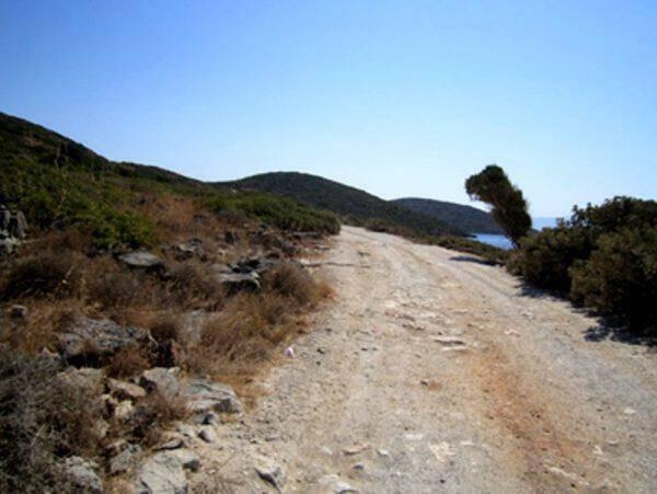 Υπεγράφη σύμβαση για την αγροτική οδοποιΐα