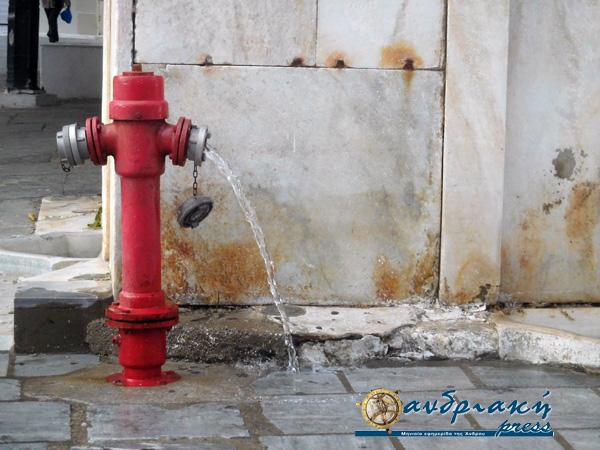 Μεσημεριανή διακοπή νερού αύριο στην Χώρα