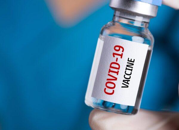 Διευκρινίσεις για το πρόγραμμα εμβολιασμού στην Άνδρο από τον Δήμο