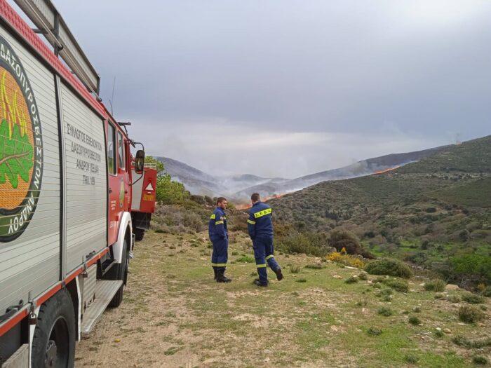 Η πυρκαγιά μαίνεται - Εκκένωση στο Ατένι