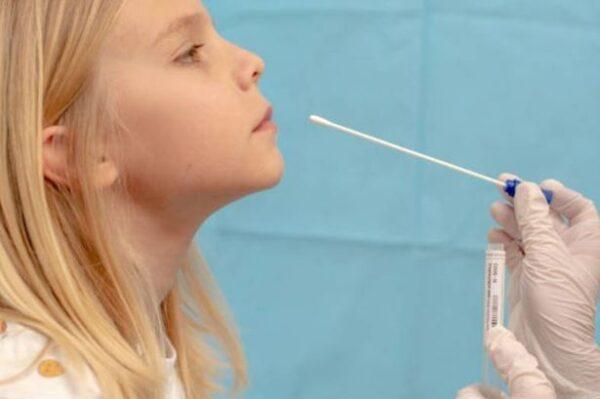 Δωρεάν rapid test στους μαθητές και ο  δήμος συμπληρώνει τις ελλείψεις των φαρμακείων της Άνδρου