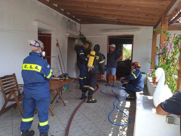 Φωτιά σε κατοικία στα Αιπάτια - Σοβαρό τροχαίο στο Μπατσί