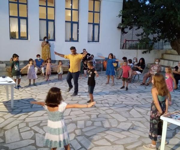 Από την Κρήτη στο Συνετί με χορό και παραμύθι