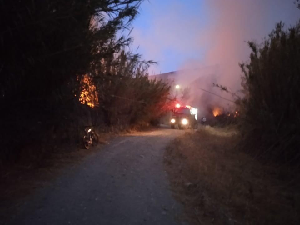 Φωτιά σε εξέλιξη στον κάμπο του Κορθίου